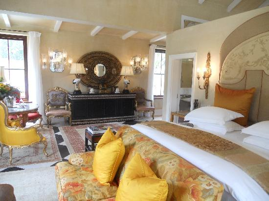 La Residence: My bedroom (Maharani Suite)