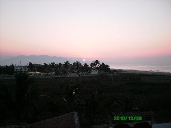 Posada Zaira del Mar : Amanecer desde la Palapa