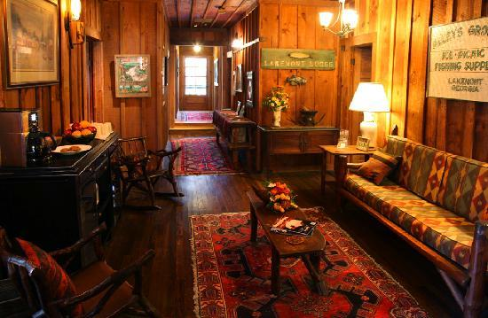Lakemont, GA: Upstairs at a guest seating area