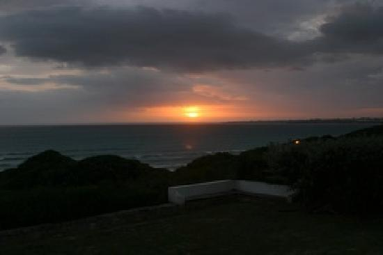 La Gratitude Villa: Sunsets were magnificent and provided  great sundowner times