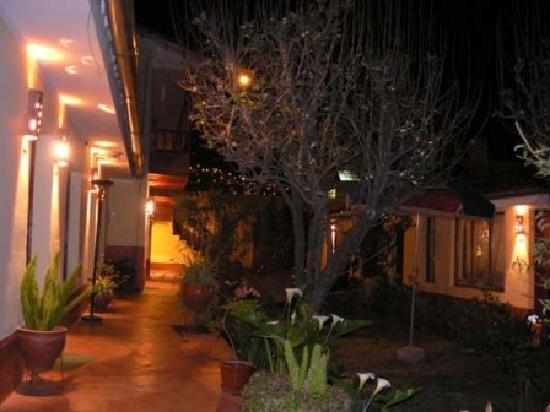 Kukuli Lodge: Wellcomme, Bienvenu, Bienvenidos... al jardin!