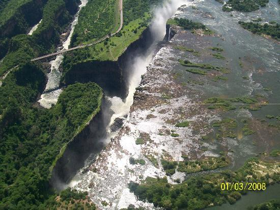 Victoriawatervallen, Zimbabwe: Arial view of the Falls