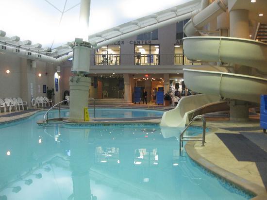 Suite picture of hilton niagara falls fallsview hotel - Hilton swimming pool ...