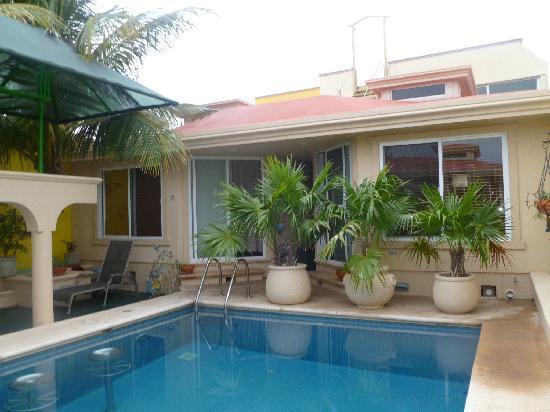 Cascadas de Merida: central pool and relaxation area