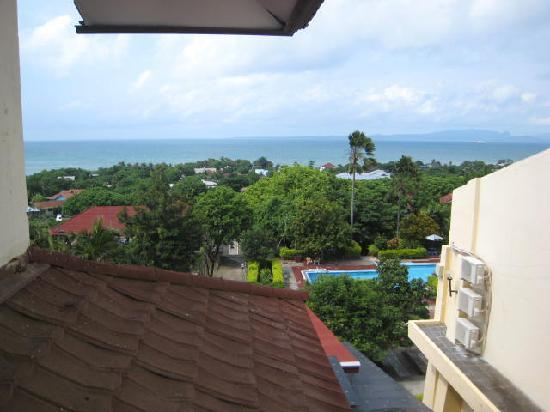 Sasando Hotel: View of ocean and coastline from room 207