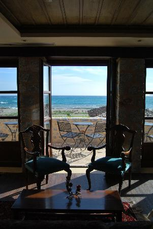 Castello Antico Beach Hotel: lobby bar