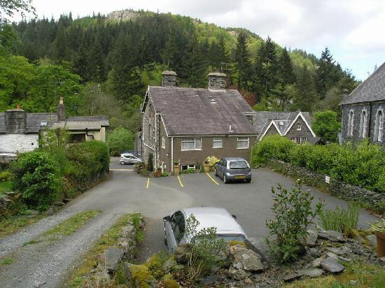Car park at Bryn Llewelyn Guest House