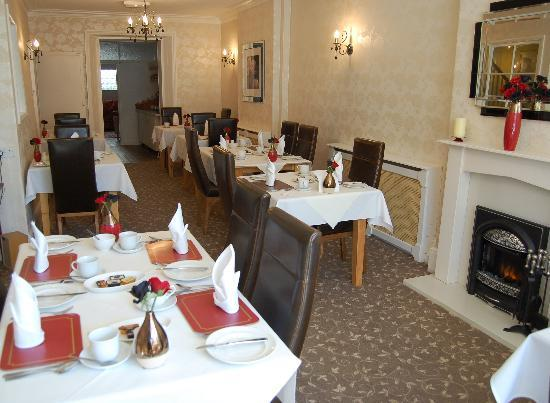 Easedale House: Relax over breakfast