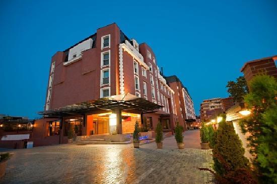 Ramada Hotel and Suites Bucharest North: Ramada Hotel & Suites Bucharest North