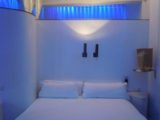 chic&basic Born Hotel: Le lit