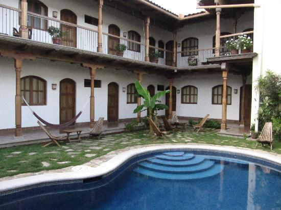 Hotel Patio del Malinche: The Pool