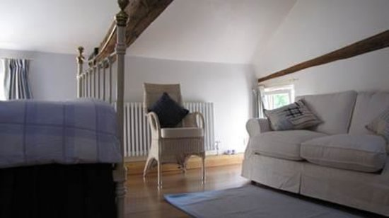 Barn Owl Accommodation: Barn Owl Seating area