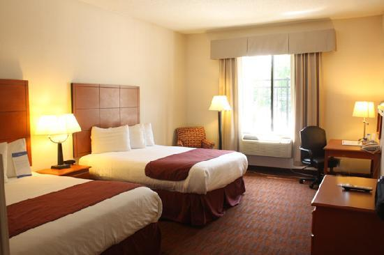 Baymont Inn & Suites Savannah/Garden City: The Guest Room