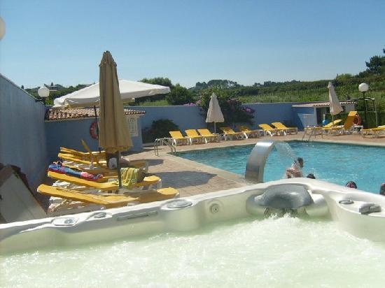Campomar Hotel: piscina