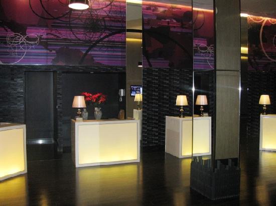 Radisson Suites Bangkok Sukhumvit : Reception