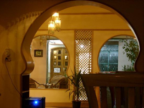 Secret Garden Cafe: The Keyhole Arches from the tables.