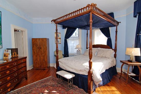 Camellia Cottage Bed & Breakfast : Henry's Room