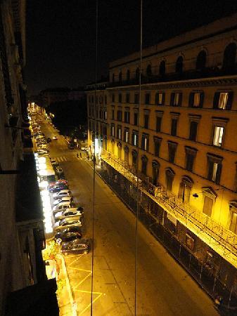 Dreaming Roma B&B: Window view