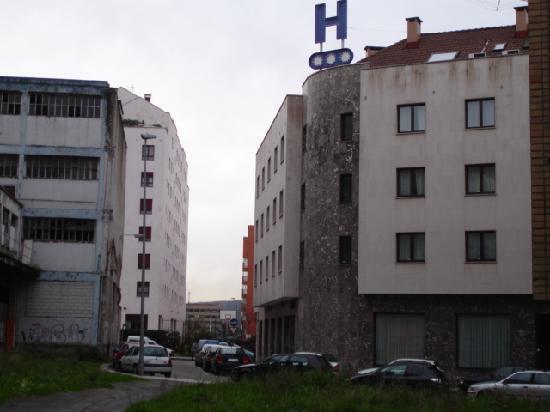 Hotel Arbeyal: parte trasera del hotel