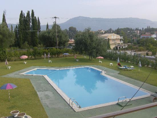 Elizabeth Hotel: The best pool in Gouvia