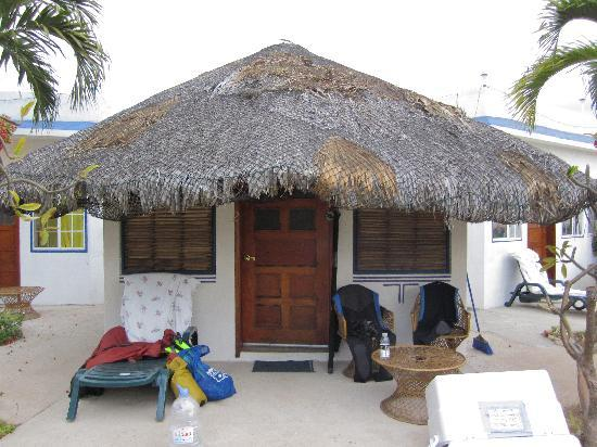El Delfin Blanco: Casita to unwind and dry SCUBA gear before the flight back.