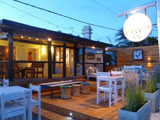 La Bicicletta Cafe: deck