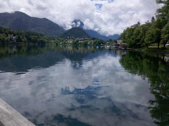 Grundlsee, Austria: Out the front deck of our condo