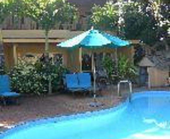 Castaway Resort: Castaway Beach Villas Thumbnail