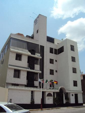 Hotel Natura Inn: fachada del hotel