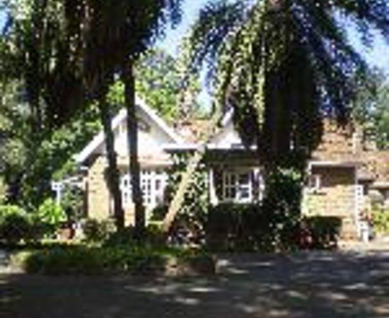 Amani Gardens Inn: Mennonite Guesthouse Thumbnail