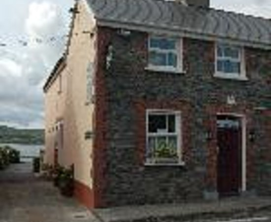 Dingle's First Cottage by the Sea Thumbnail