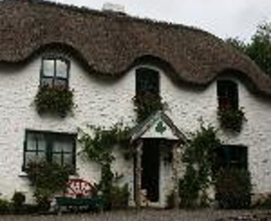 Lissyclearig Thatched Cottage Thumbnail