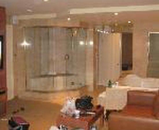 Le Fabreville Motel et Suites : Le Fabreville Motel & Suites Thumbnail