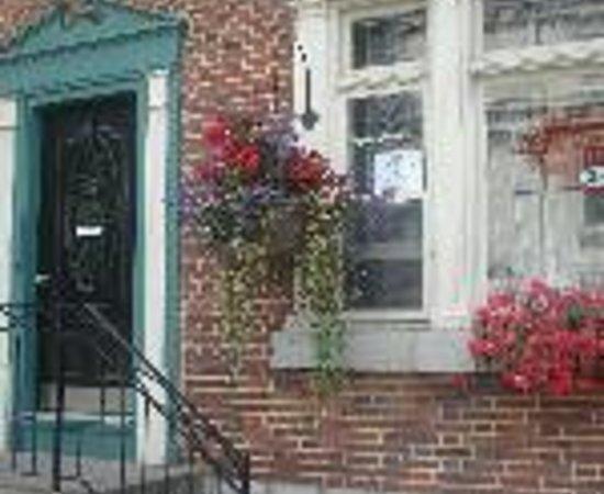 Summer House Inn Thumbnail
