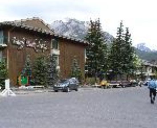 Banff Park Lodge Resort and Conference Centre Thumbnail