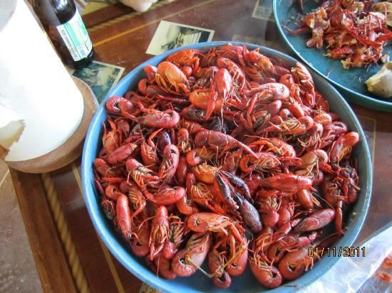 Maison Madeleine: You are in Crawfish Capital of the World Breaux Bridge! this we had a Flloyd's Fruit Stand