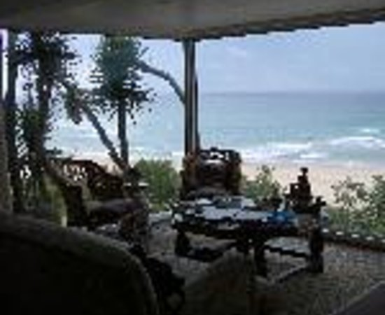 The Pink Lodge on the Beach: The Pink Lodge on the Beach Thumbnail