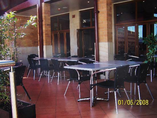 Beaudesert, Australia: Alfresco dining in our restaurant