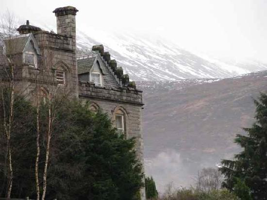 Inverlochy Castle Hotel: Looking towards Ben Nevis