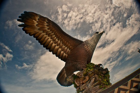 Kuah, Malasia: the eagle monument