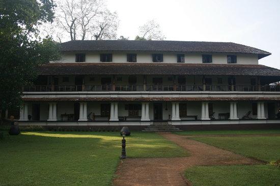 Poomully Aramthampuran's Ayurveda Mana