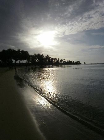 Grand Bahia Principe La Romana: Beach at sundown