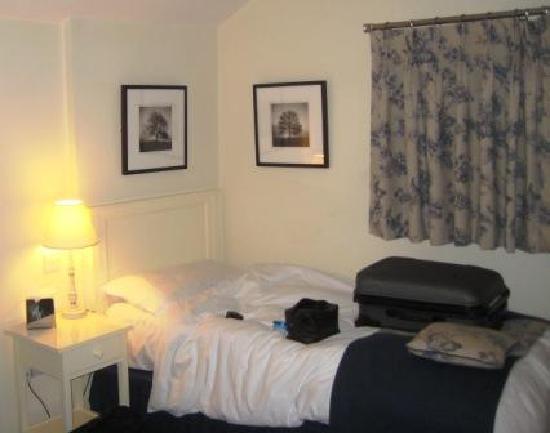 Loch Fyne Hotel Kenilworth: Single bedroom - comfortable bed