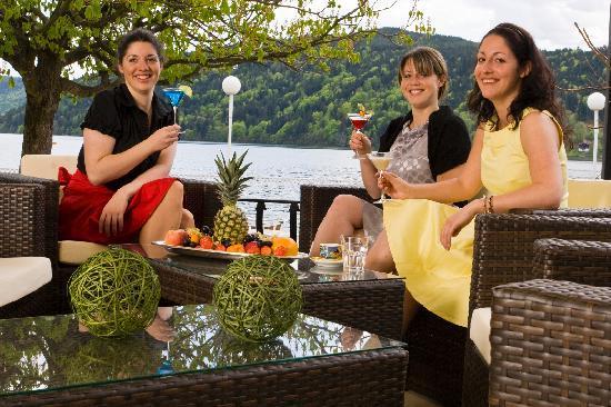 Hotel am See - Die Forelle: Barterrasse
