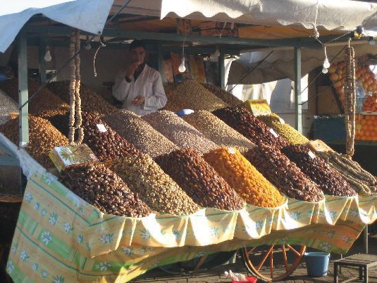 Riad Linda: Stall La Grande Place