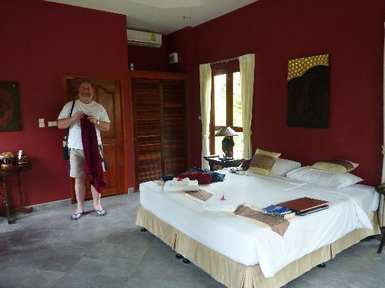 Oriental Kwai Resort: Our room