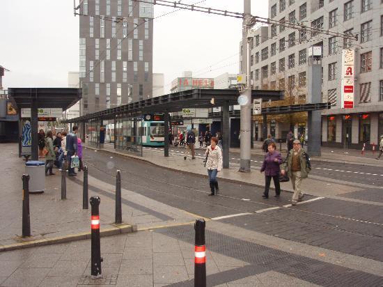 Mannheim, Deutschland: マンハイム駅前