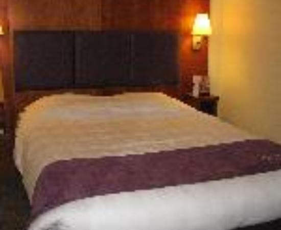 Premier Inn Gloucester (Twigworth) Hotel: Premier Inn Gloucester North Thumbnail
