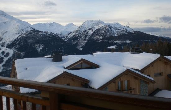 L Accroche Coeur: View from Chalet