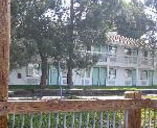 Motel 6 Oakland-Embarcadero Thumbnail
